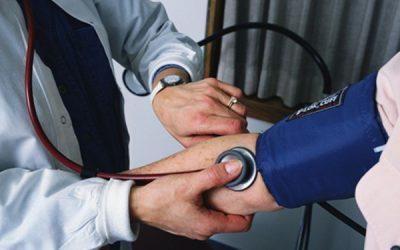 Afectan diabetes e hipertensión a 60% de adultos mayores